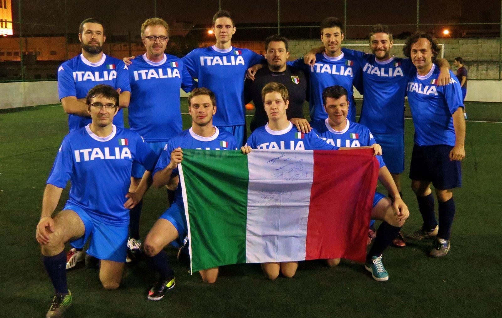 A jovem seleção italiana se prepara para a Copa Gringos 2015 ... 28a174d8e36a7